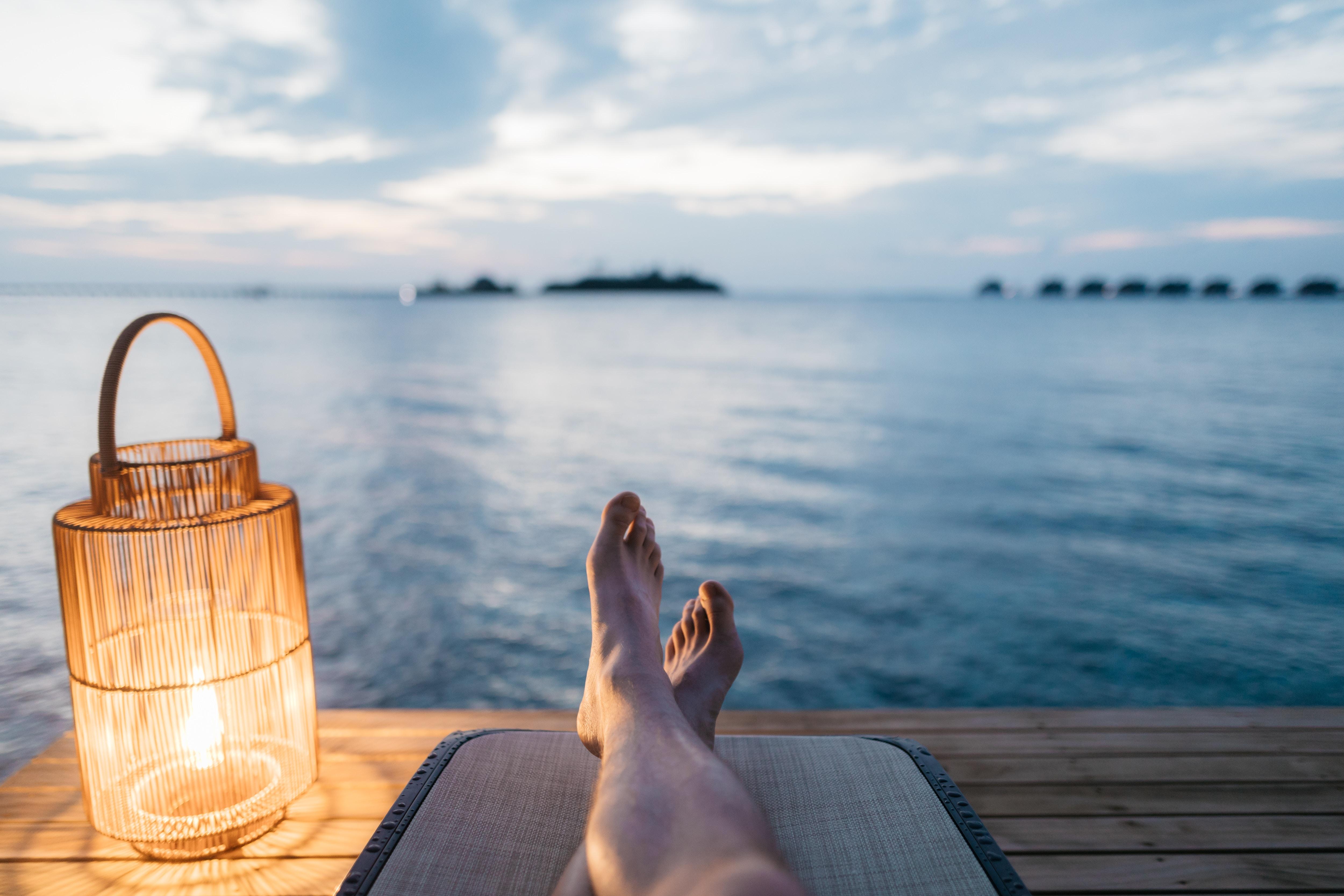relaxing-feet